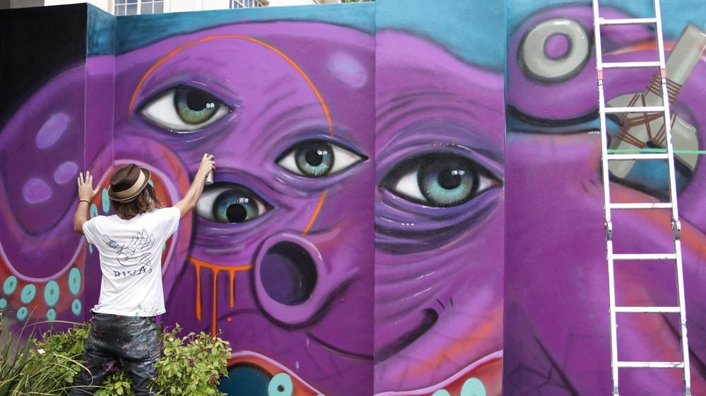 Graffiti artist Joff at PE HOMEMAKERS Expo