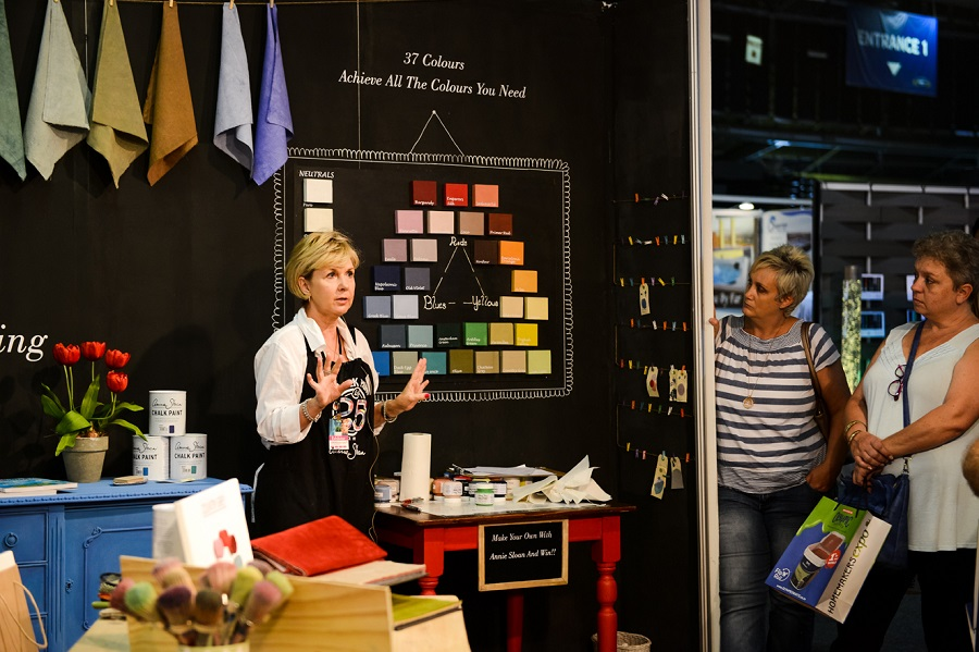 annie sloane demonstrations at homemakers expo